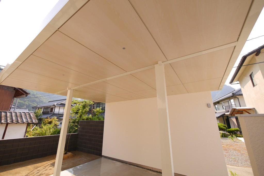 ホワイト木目の天井材