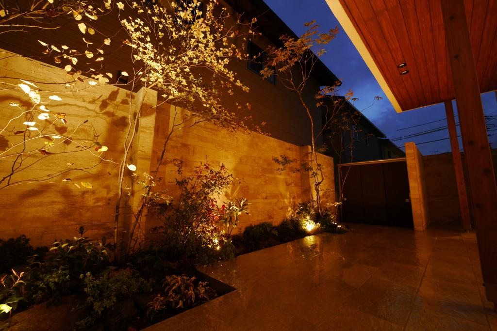 夜の庭 岡山